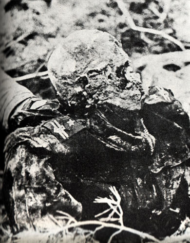 http://cdn2.all-art.org/Visual_History/world_wars/7/Katyn_massacre3.jpg