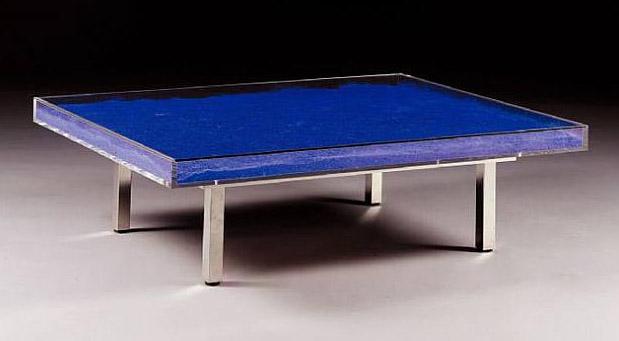 History of art yves klein for Table yves klein