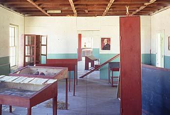 Znalezione obrazy dla zapytania Ilja Kabakow school