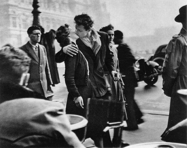 robert doisneau kiss
