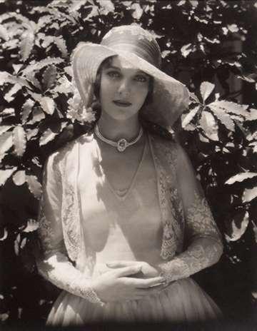 Loretta Young, 1928